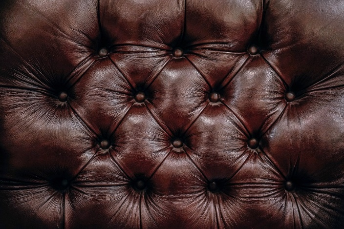 Leather Furniture: Advantages and Care Tips