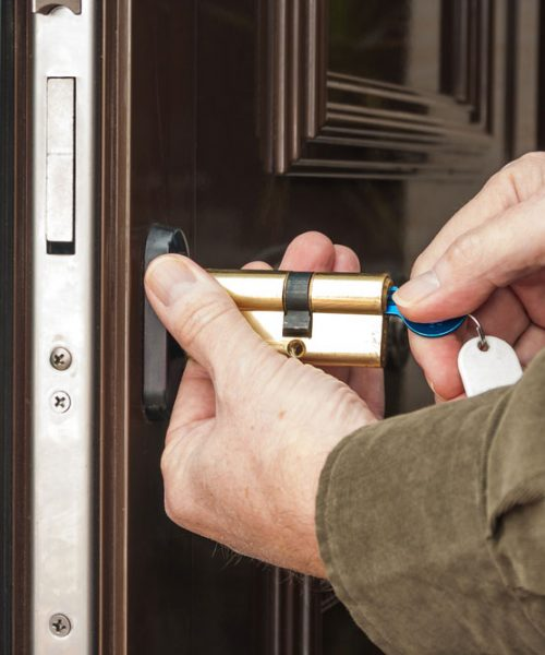 CIRCUMSTANCES THAT WARRANT YOU TO CHANGE YOUR DOOR LOCKS