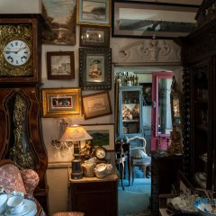 Types of Antiques to Hunt For