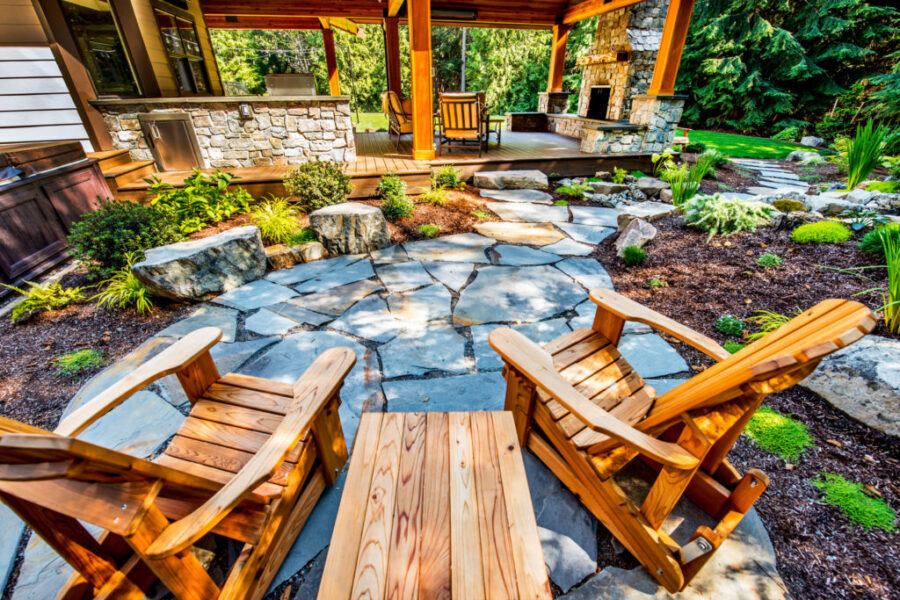 3 Reasons to Landscape Your Yard